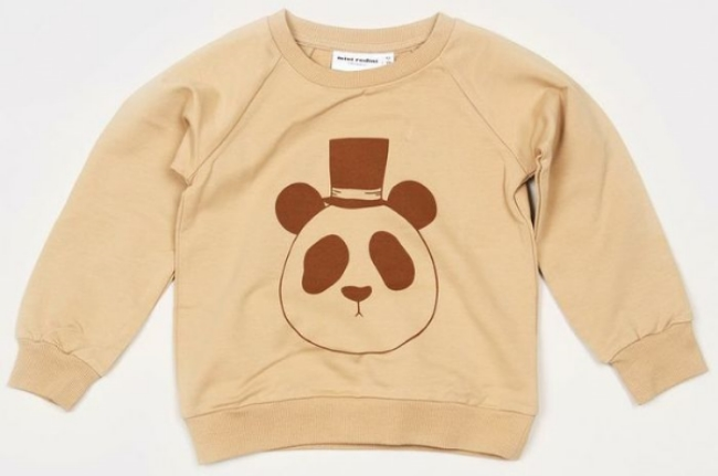 This  Mini Rodini PANDA SWEATSHIRT  has Mini Rodini's signature panda Graphic at front made from organic cotton. It also has soft rib at cuff, neck and bottom for extra comfort and good fit.