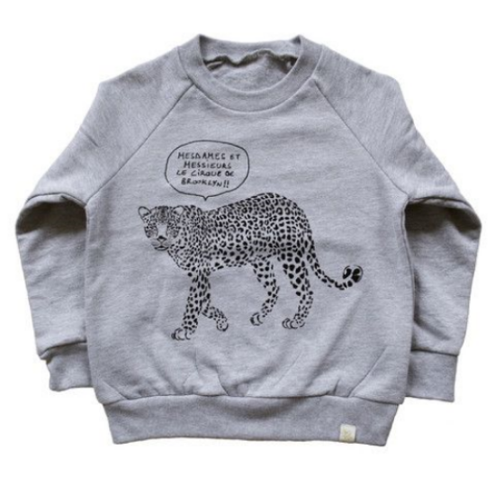 This  ATELiER ATSUYO ET AKiKO Leopard Foil Sweatshirt  is hand silkscreened in Brooklyn, NY. I love that this Animal Graphic Sweatshirt is Made in U.S.A.