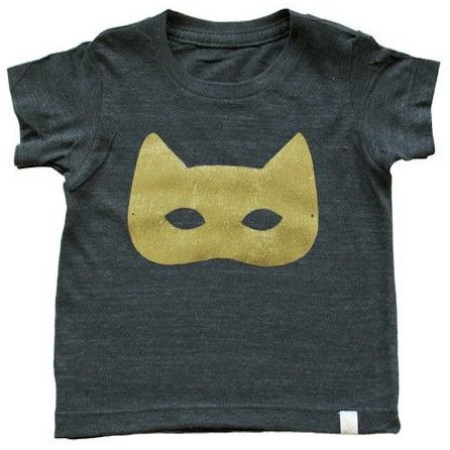 This ATELiER ATSUYO ET AKiKO TEE TRi BLEND - CAT MASK GOLD FOiL ($44.00) is an adorable Gold Foil Cat Mask that is unisex and HAND SiLKSCREENED iN BROOKLYN, NY- Love and Love!