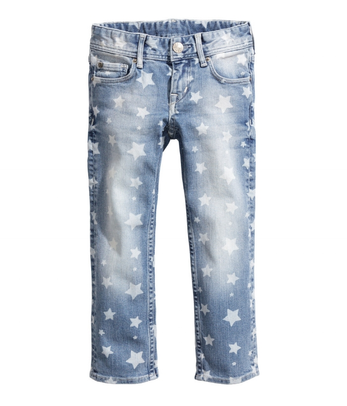 These  H&M Slim Jeans    for Girls have a cool Allover Star Print on a washed stretch denim that is so versatile your daughter can dress them up or dress them down.  Your little one will want to wear these all the time, and for $19.95 they are a great deal!