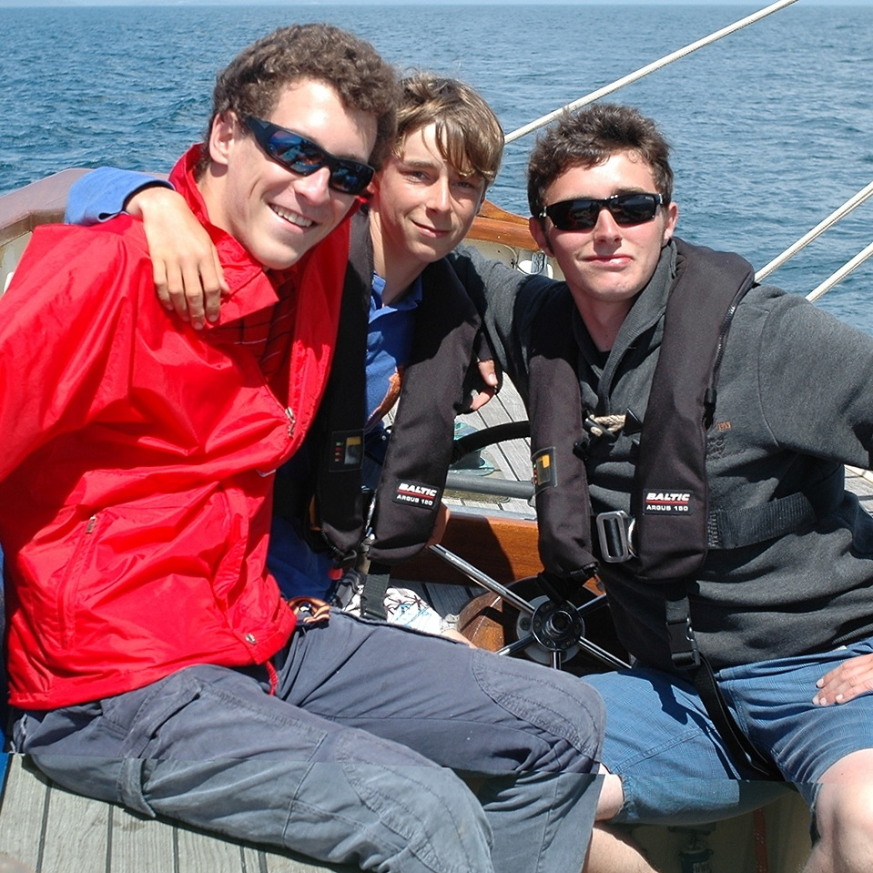 outdoor leadership course for teens