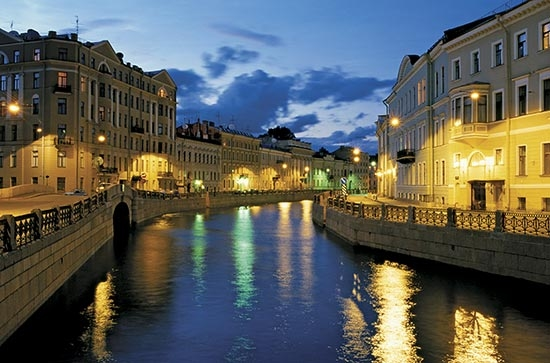 Boat tours of St. Petersburg