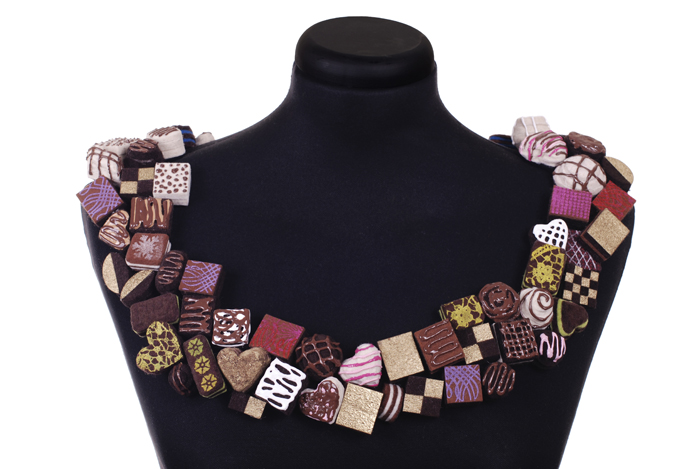 chocolates collar.jpg