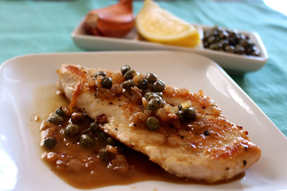 Chicken with a lemon, white wine and caper pan sauce