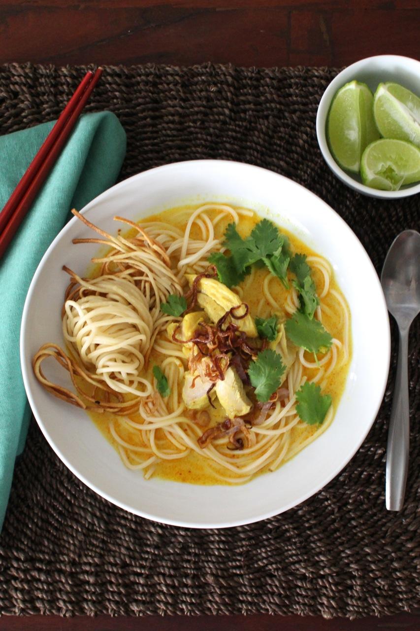 chicken khao soi khao soi egg noodles in rich chicken grandpa s khao ...