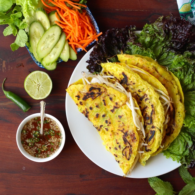 Banh Xeo - Crispy Vietnamese Crepes with Shrimp