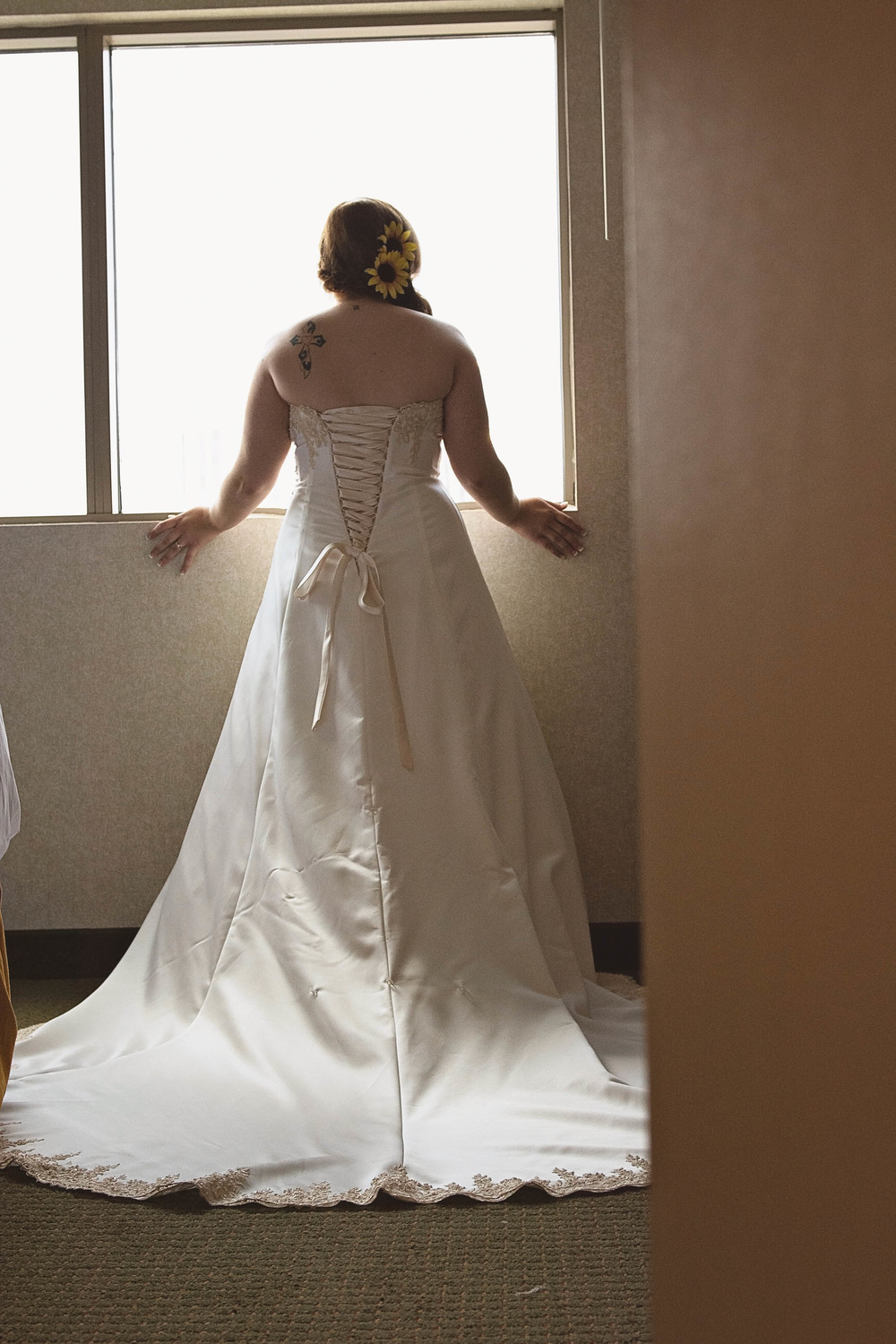 embassy suits hotel troy stephanie and mark brown wedding