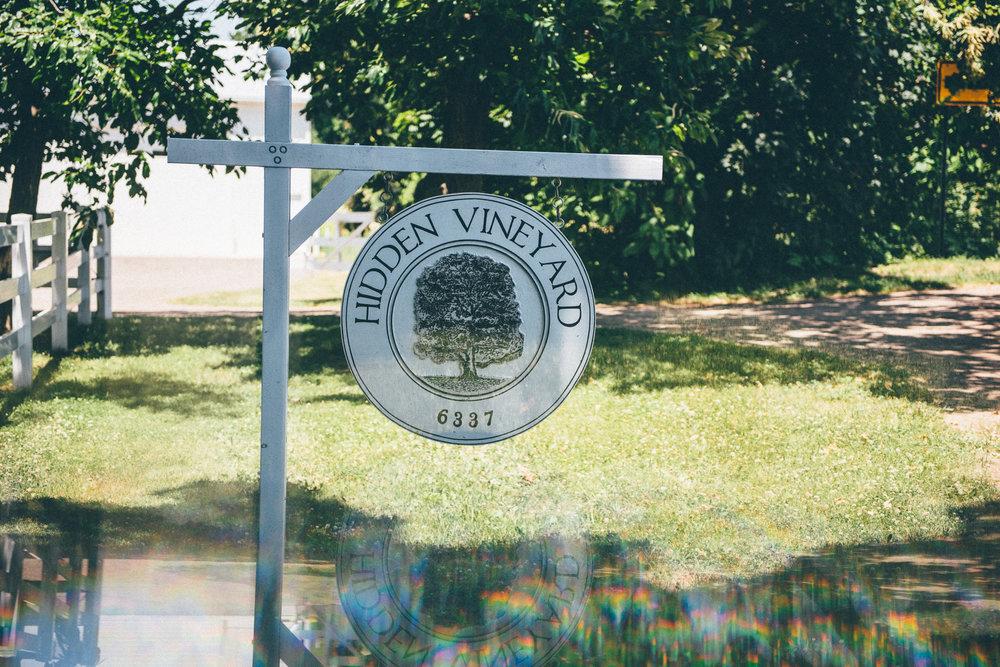 Hidden Vineyard Barn Wedding Barn | Miss Lyss Photography | www.misslyssphotography.com
