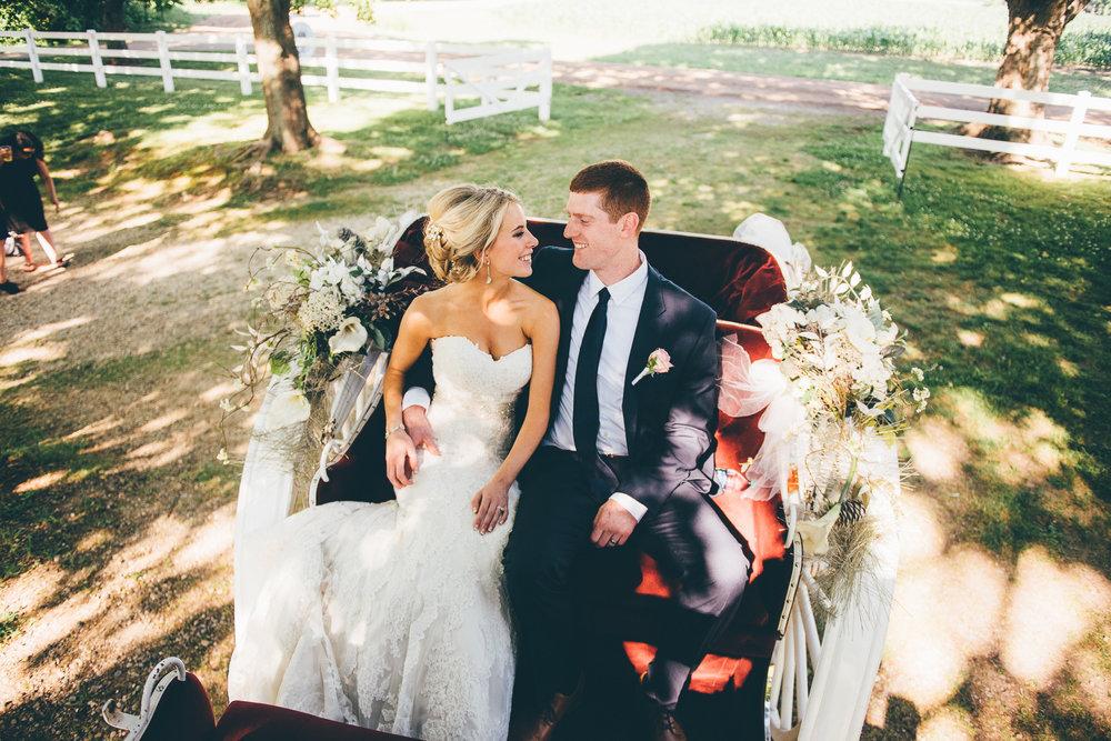 Elegant Michigan Barn Venue | Miss Lyss Photography | www.misslyssphotography.com
