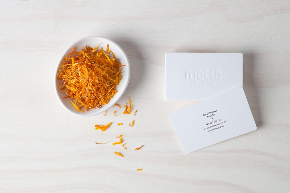Foliolio - Business Card Photography - Metta Portfolio Photography