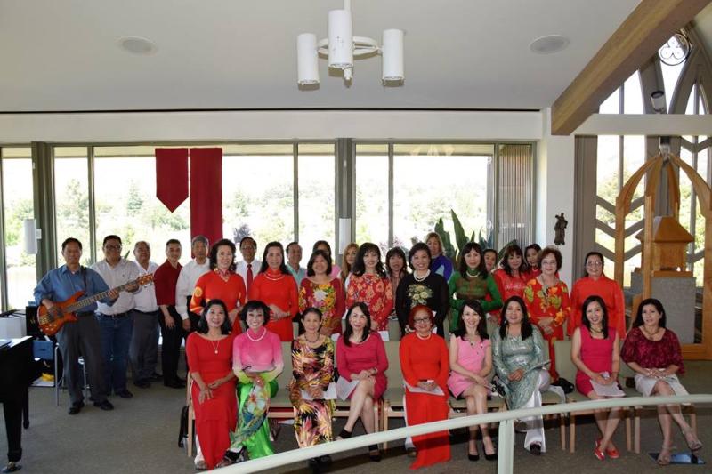 vietnamese choir 2.png