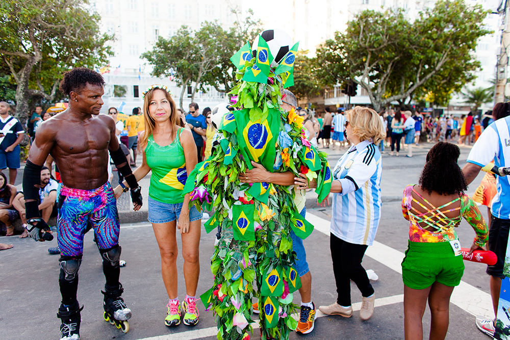 thehundreds-shayna-batya-brazil-copacabana-fifa-fan-fest-final-germany-argentina-017.jpg