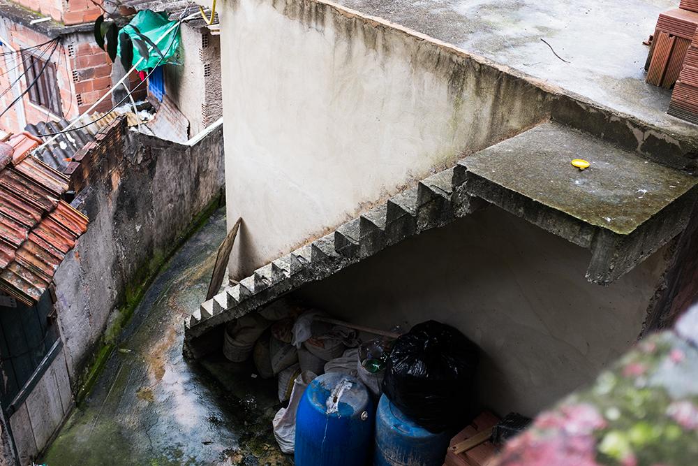 thehundreds-shayna-batya-rio-de-janeiro-favela-02-1.jpg