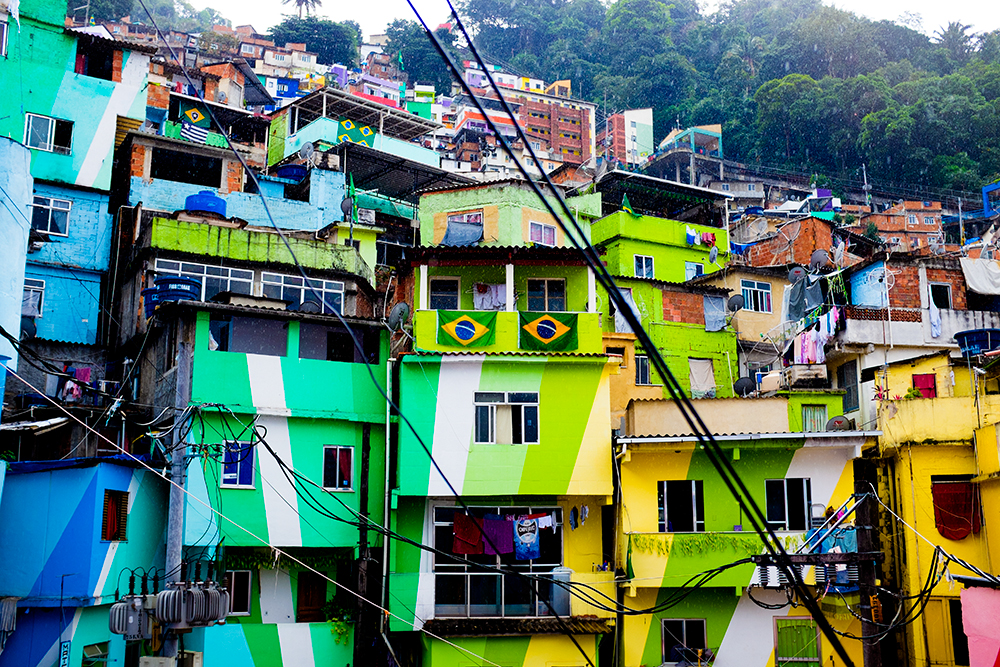 thehundreds-shayna-batya-rio-de-janeiro-favela-04.jpg