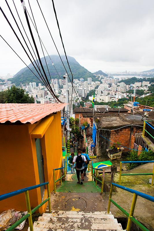 thehundreds-shayna-batya-rio-de-janeiro-favela-011.jpg