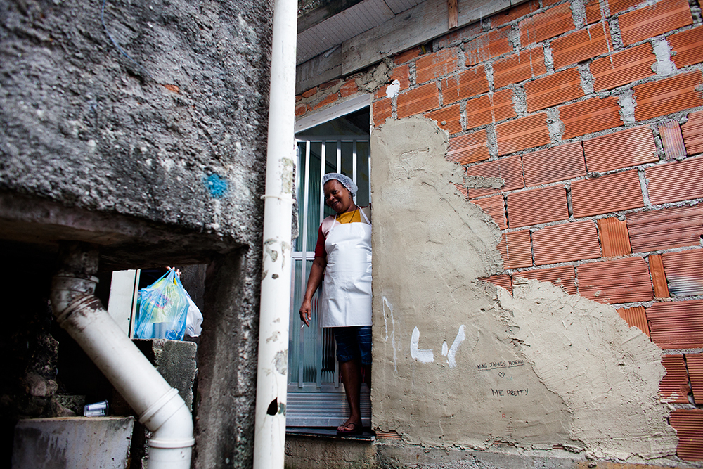 thehundreds-shayna-batya-rio-de-janeiro-favela-013.jpg