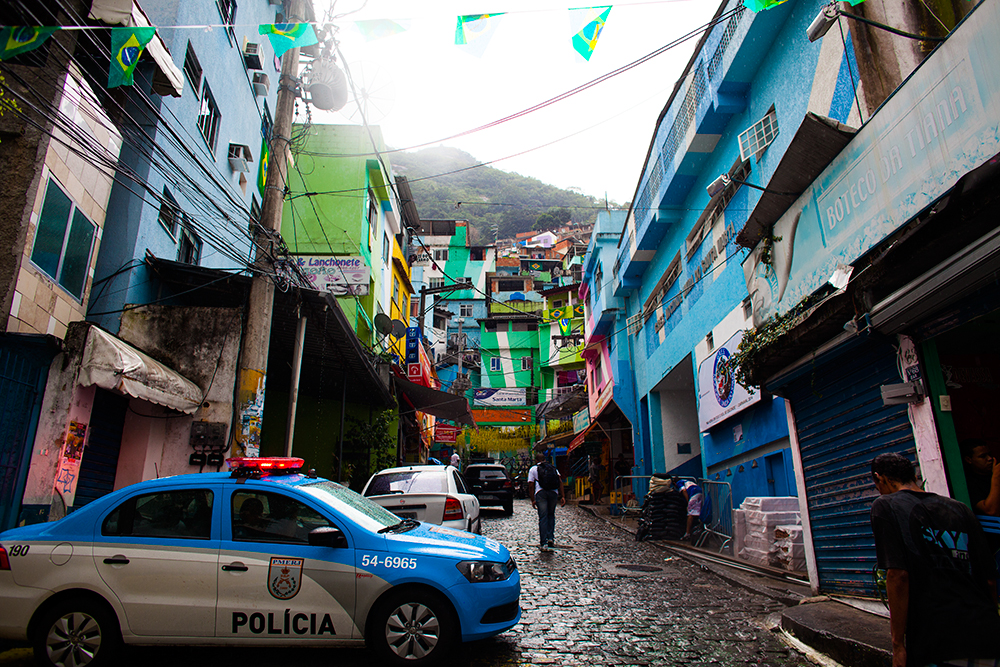 thehundreds-shayna-batya-rio-de-janeiro-favela-017.jpg