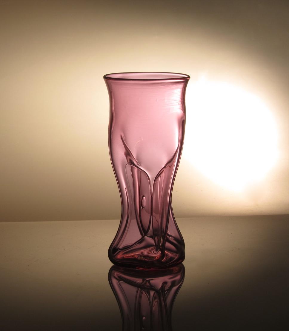 'Vacuum' neodymium pink