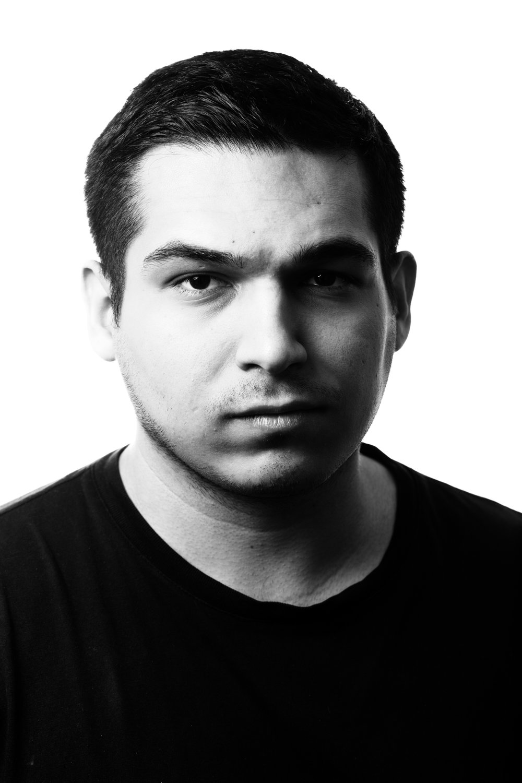 Roberto Gonzales Freelance Designer