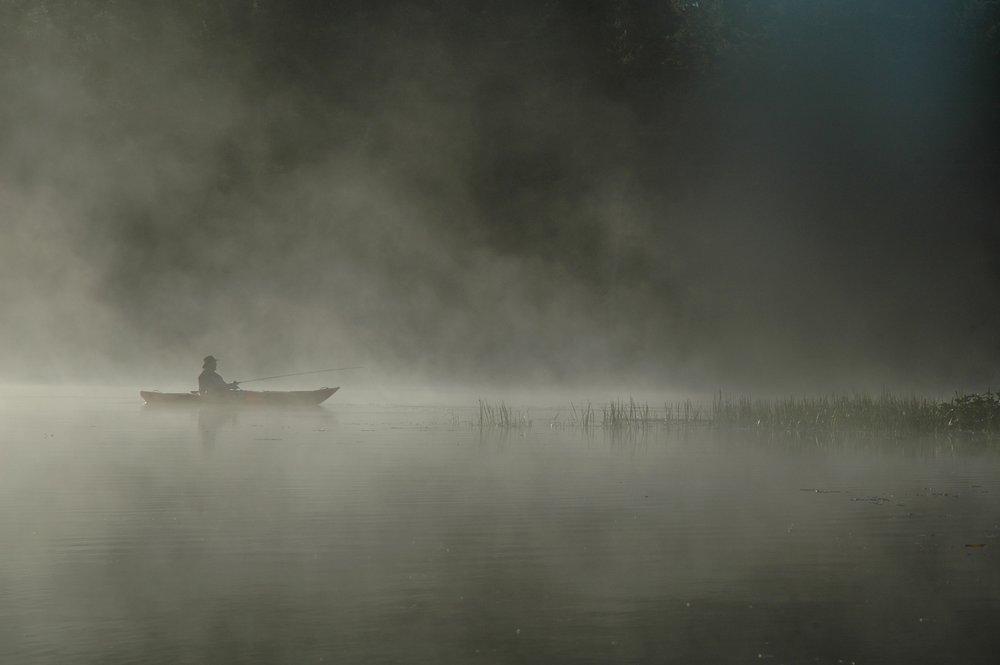 boat-dawn-fog-1138956.jpg