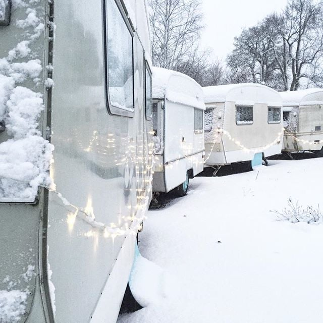 We do look fab in snow. But still longing for summer, 143 days to go! ❄️⛄️ #vintagecaravan #retrolove #sweden #winterland