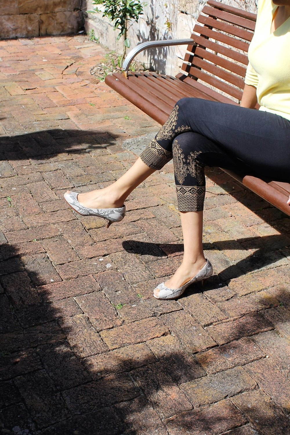 Outdoor_ Gold Print Leggings 2_Large.jpg