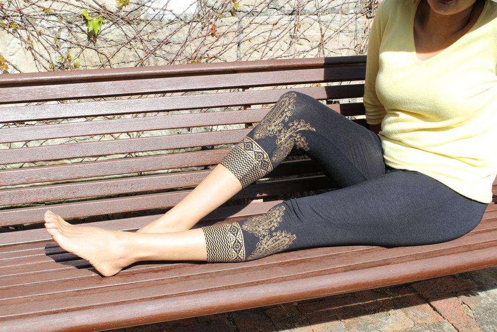 Outdoor_ Gold Print Leggings_Large.JPG