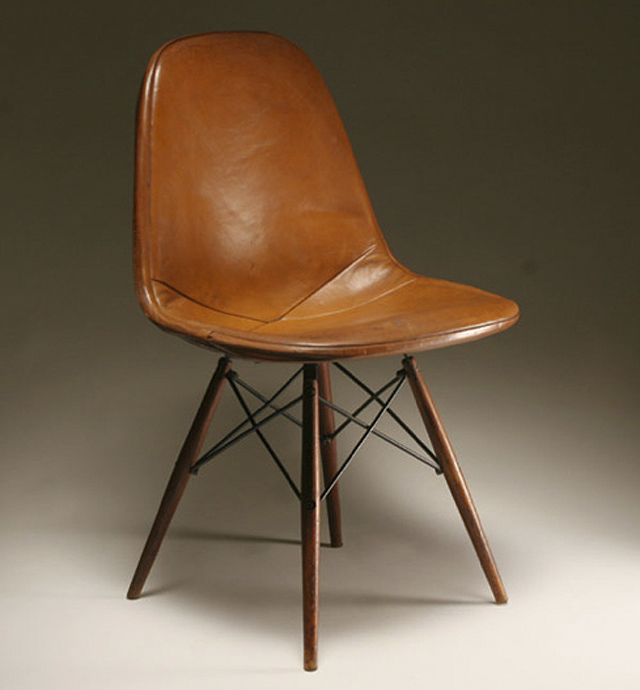 Eames chair.png