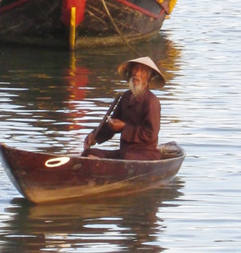 fisherman hoi an
