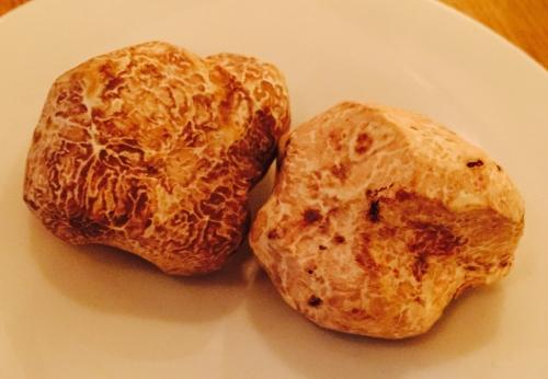 Whole white truffles
