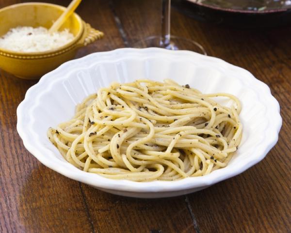 SpaghettiPecorinoPepper-_DS_6192.jpg