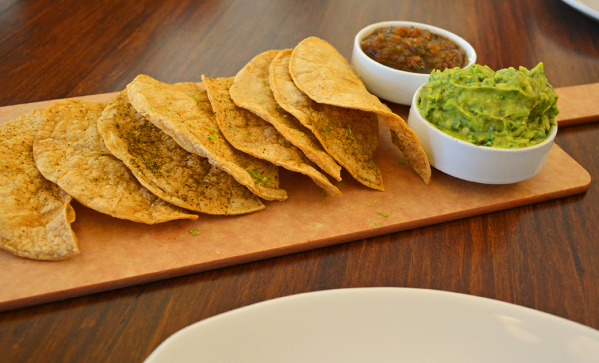 Lyfe-Kitchen-Chunky-Guac-N-Chips-Restaurant-Evanston-Il.jpglyfe-kitchen-chicago-review.jpg