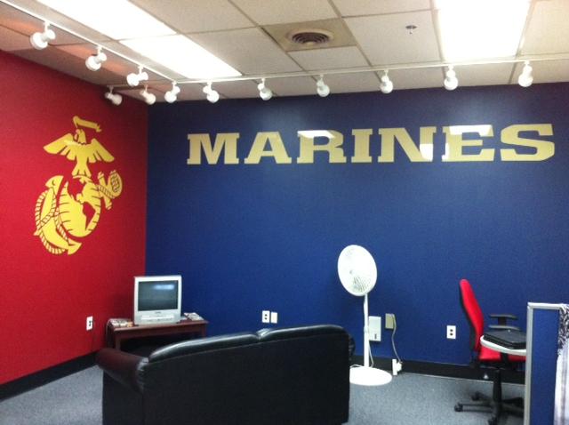HITT Marines Mondawin Mall_23274.JPG