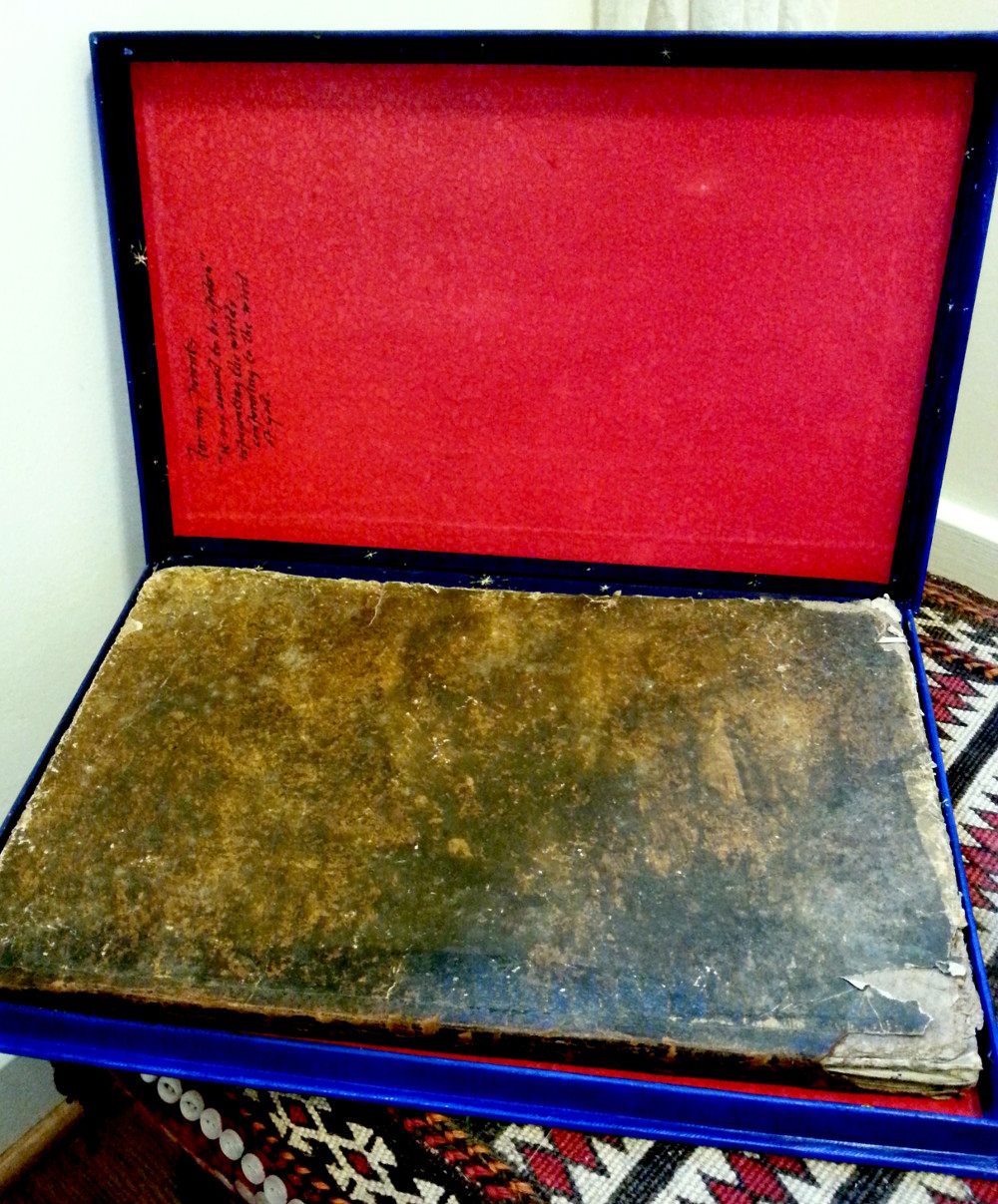 box, painted canvas, lined with Japanese paper
