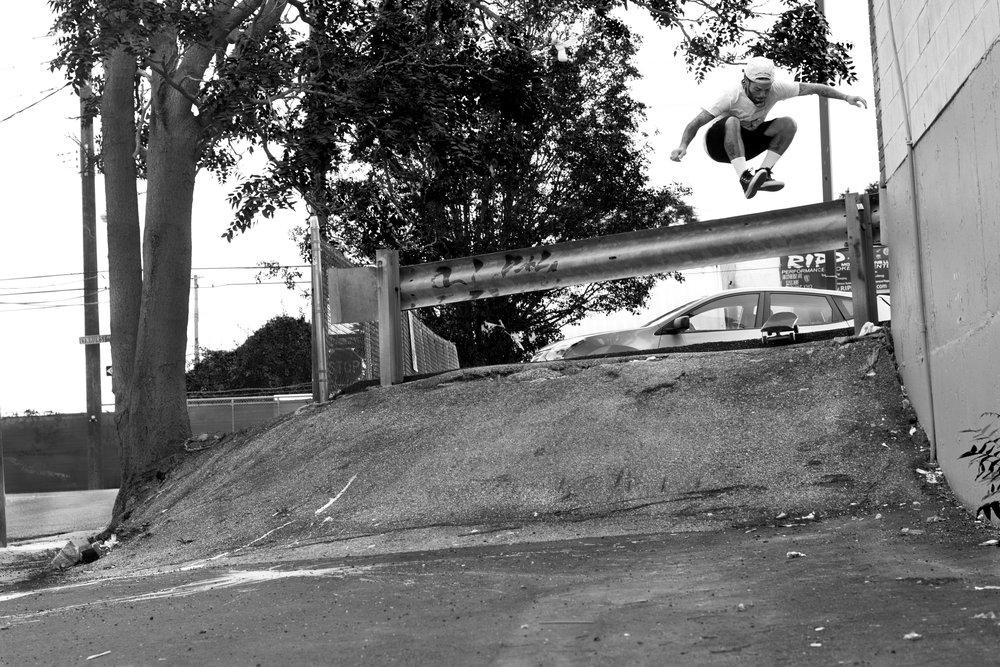 Piro Sierra - Hippy Jump
