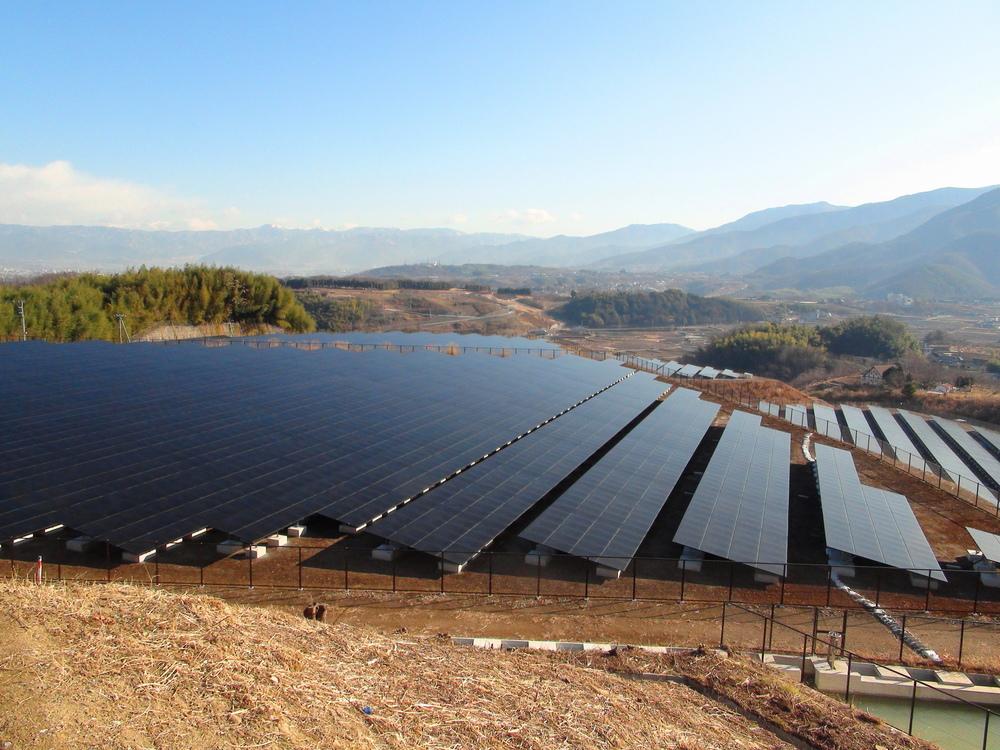 Соларна електроцентрала в България