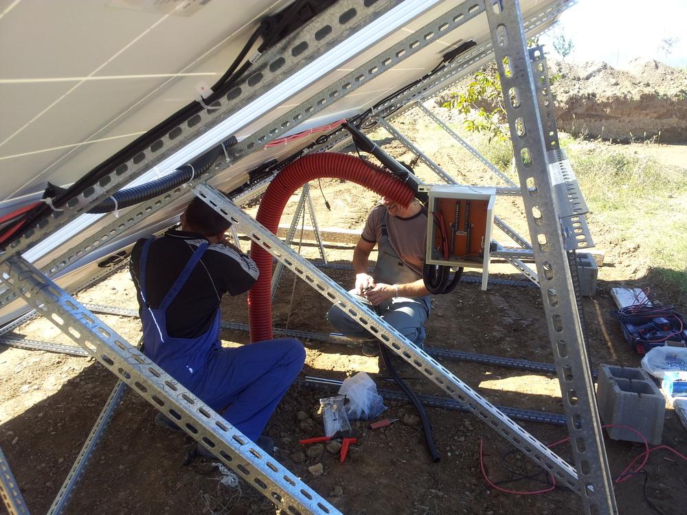Соларна централа захранване на дом
