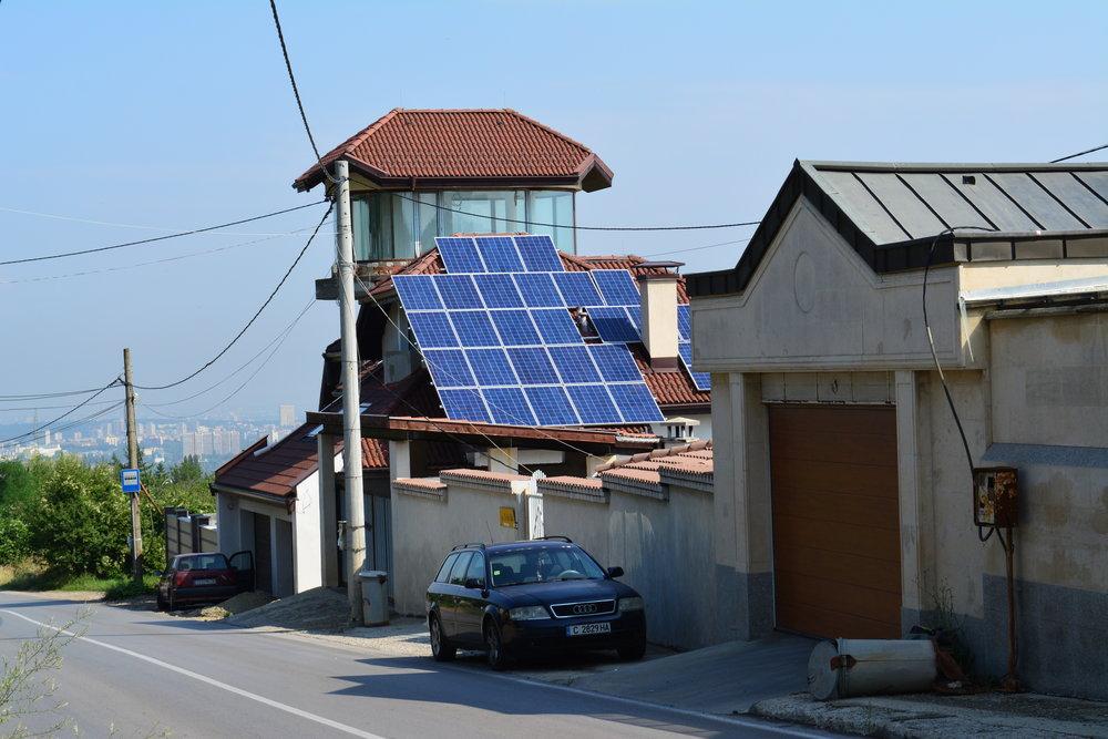 соларни панели за покрив