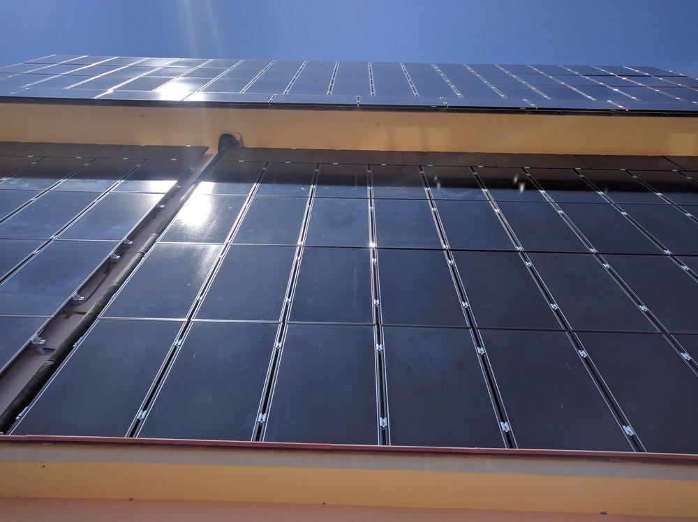 фасадно монтиране на соларни панели