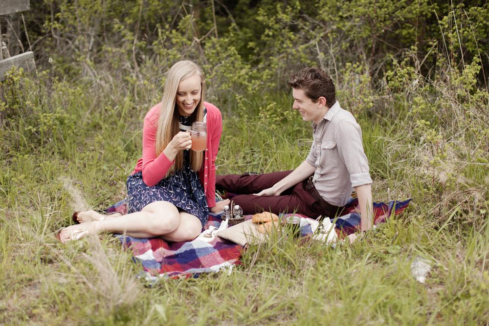 picnic_couple.jpg
