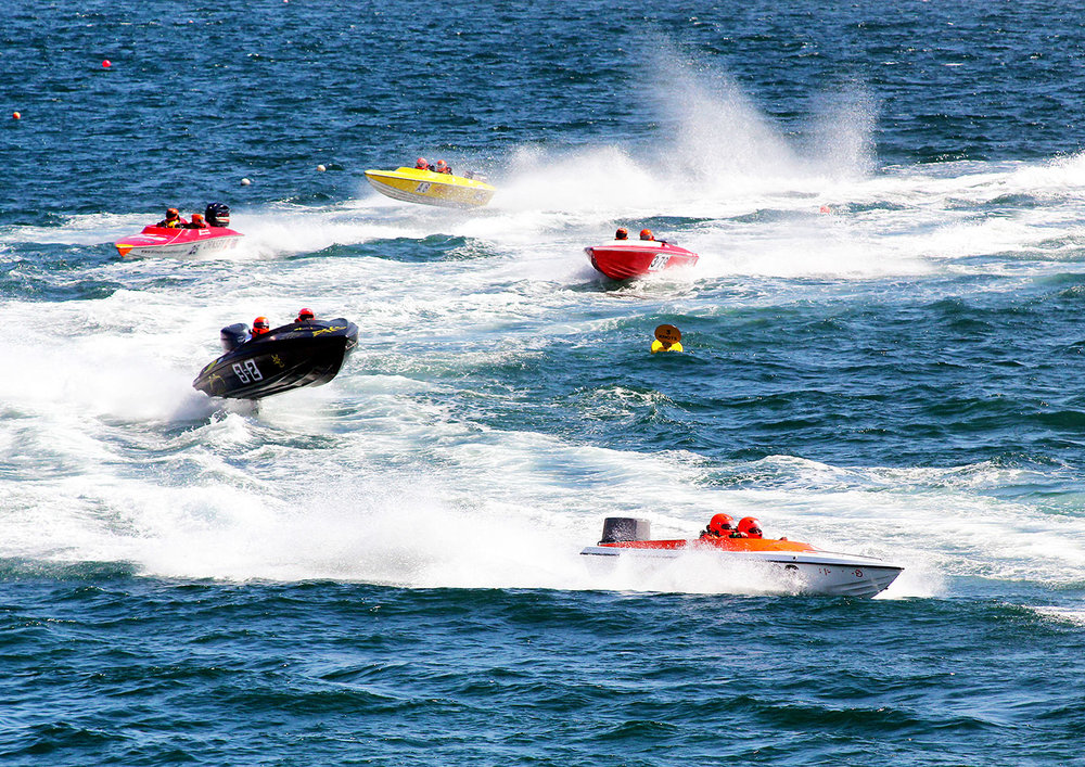 47_Power boat racing_Linda Oliver