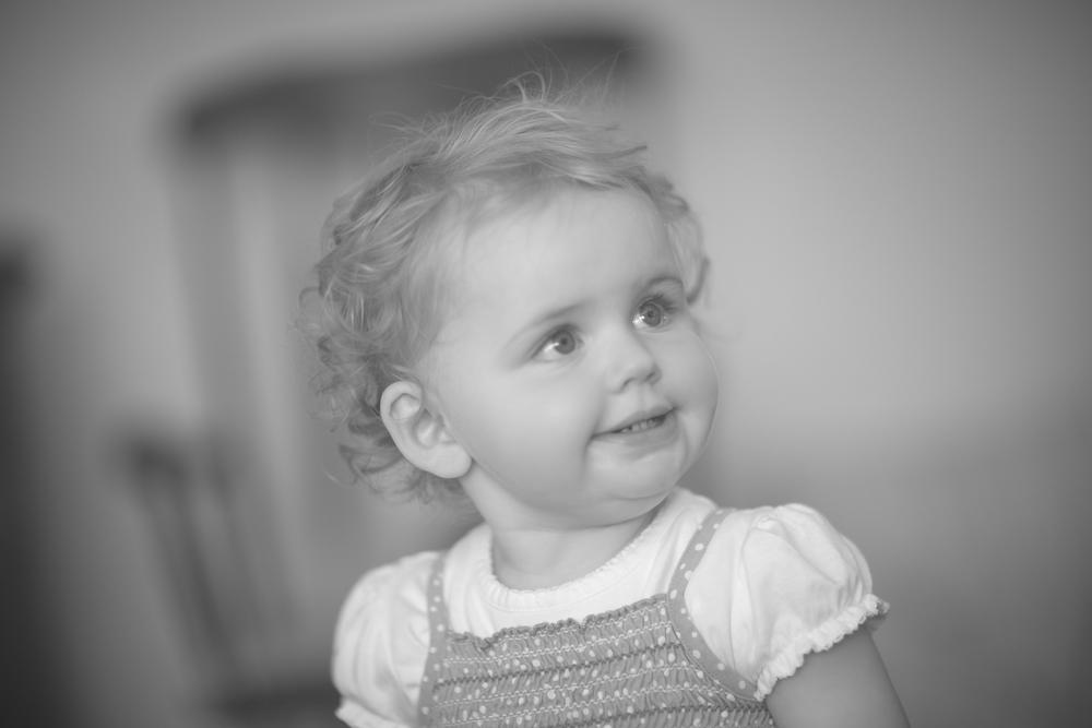 Kids portrait session - Sophie indoors