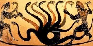 Cabeza de la Hidra. Cerámica griega