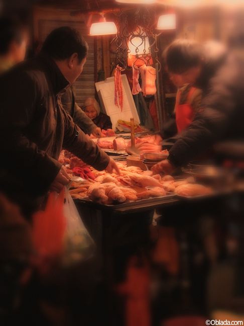 Night market in the French Concession, Shanghai (©Deborah Clague)
