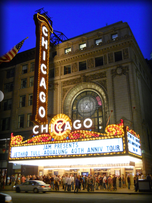 Chicago Theatre (2011) ©Deborah Clague.