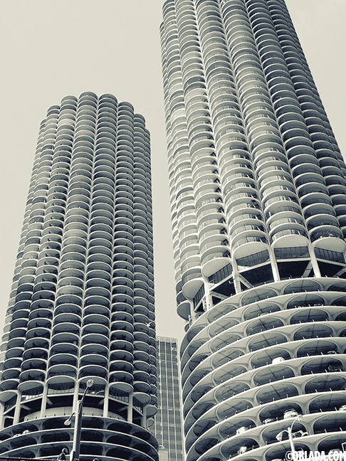 Marina City (©Deborah Clague/Oblada.com)