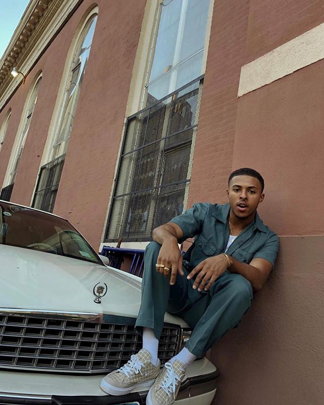 Can you dig it? @diggysimmons  Sneakers: @nike Old school: @cadillac