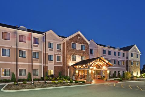 2631759-Staybridge-Suites-BUFFALO-AIRPORT-Hotel-Exterior-3-DEF.jpg
