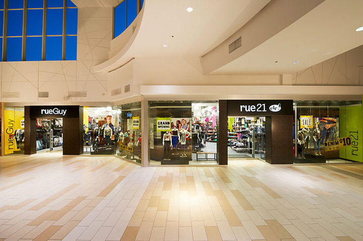 Rue21 Etc store front.   (Image property of design:retail)