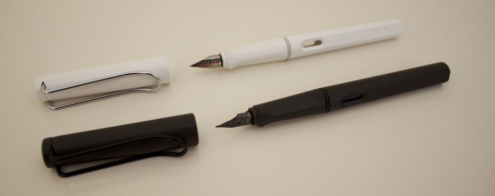 Lamy Safari - White - medium nib, Black - fine nib